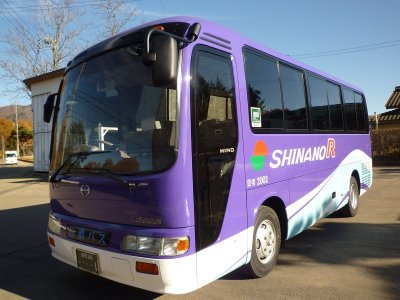 Внешний вид малого автобуса (19-25 мест) в Японии