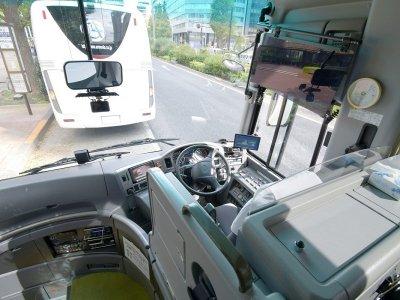 Место водителя среднего автобуса (27-28 мест)