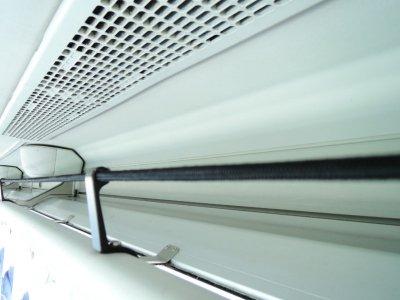 Полка для ручной клади в большом автобусе (45-60 мест) в Японии