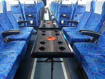 Салон со столиком большого автобуса (45-60 мест) в Японии
