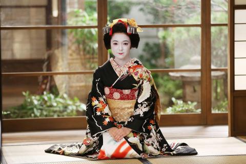 """Экскурсия """"Ужин с майко в Киото"""" English"""